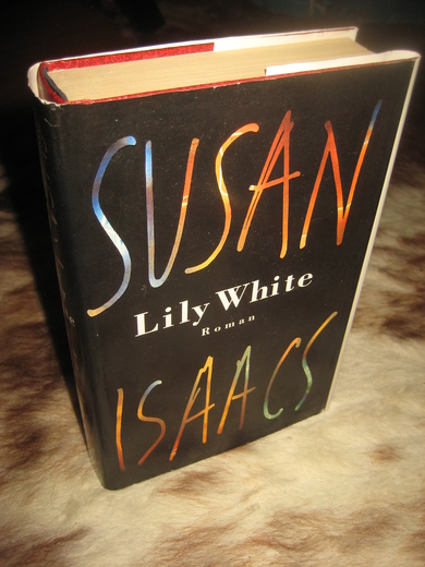 ISAACS: Lilly White. 1998.