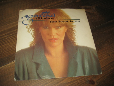 FELTSKOG, AGNETHA: THE HEAT IS ON. 1983.
