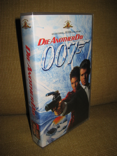 DIE ANOTHER DAY. 007. 2002, 127 MIN, 15 ÅR.